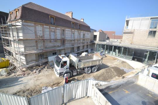 Le musée Camille Claudel au début de l'année 2015, l'on peut observer la toiture entièrement rénovée.