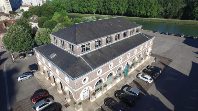 La Halle, lieu de rencontre des Nogentais constitue un élément remarquable du patrimoine bâti du XIX<SUP>e</SUP> siècle